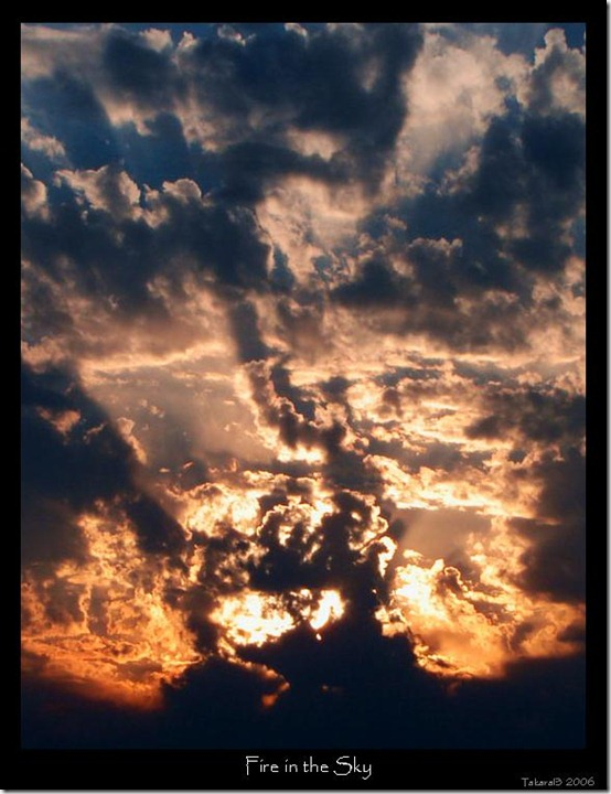 Fire in the sky by takara13 thumb 40 Amazing Examples of Sky Photography